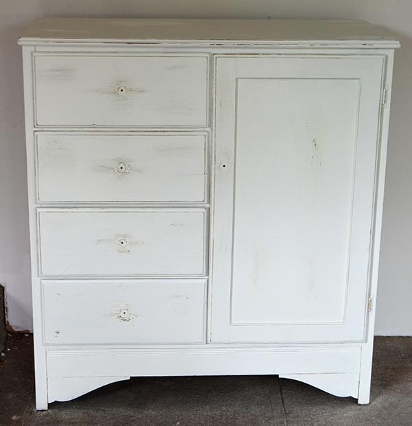 distressed-dresser-no-knobs